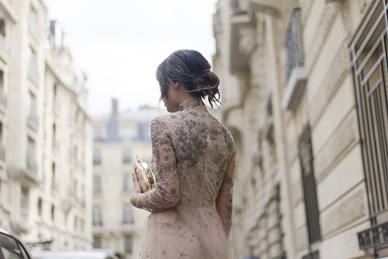 aimee_song_of_style_paris_fashion_week_valentino_dress_bruzziches_clutch