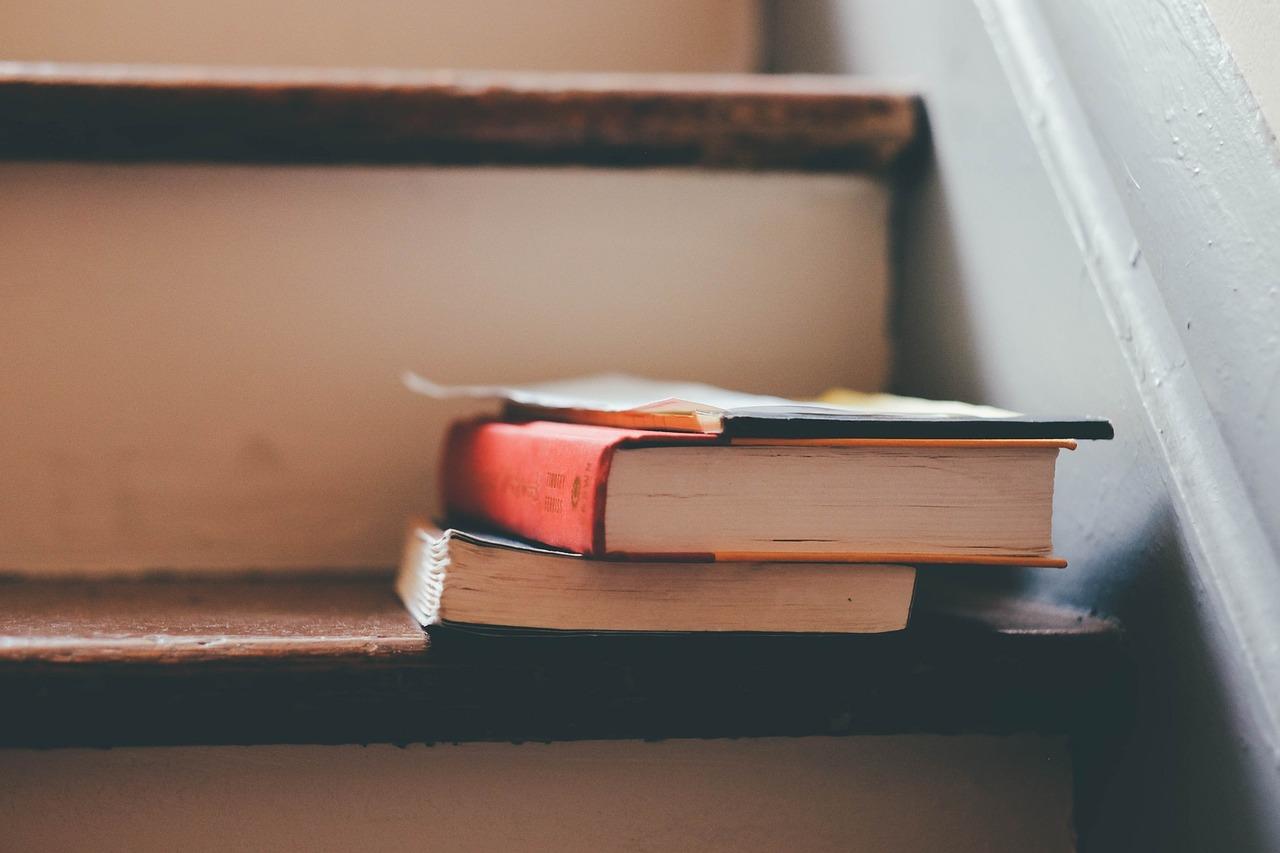 books-1185628_1280