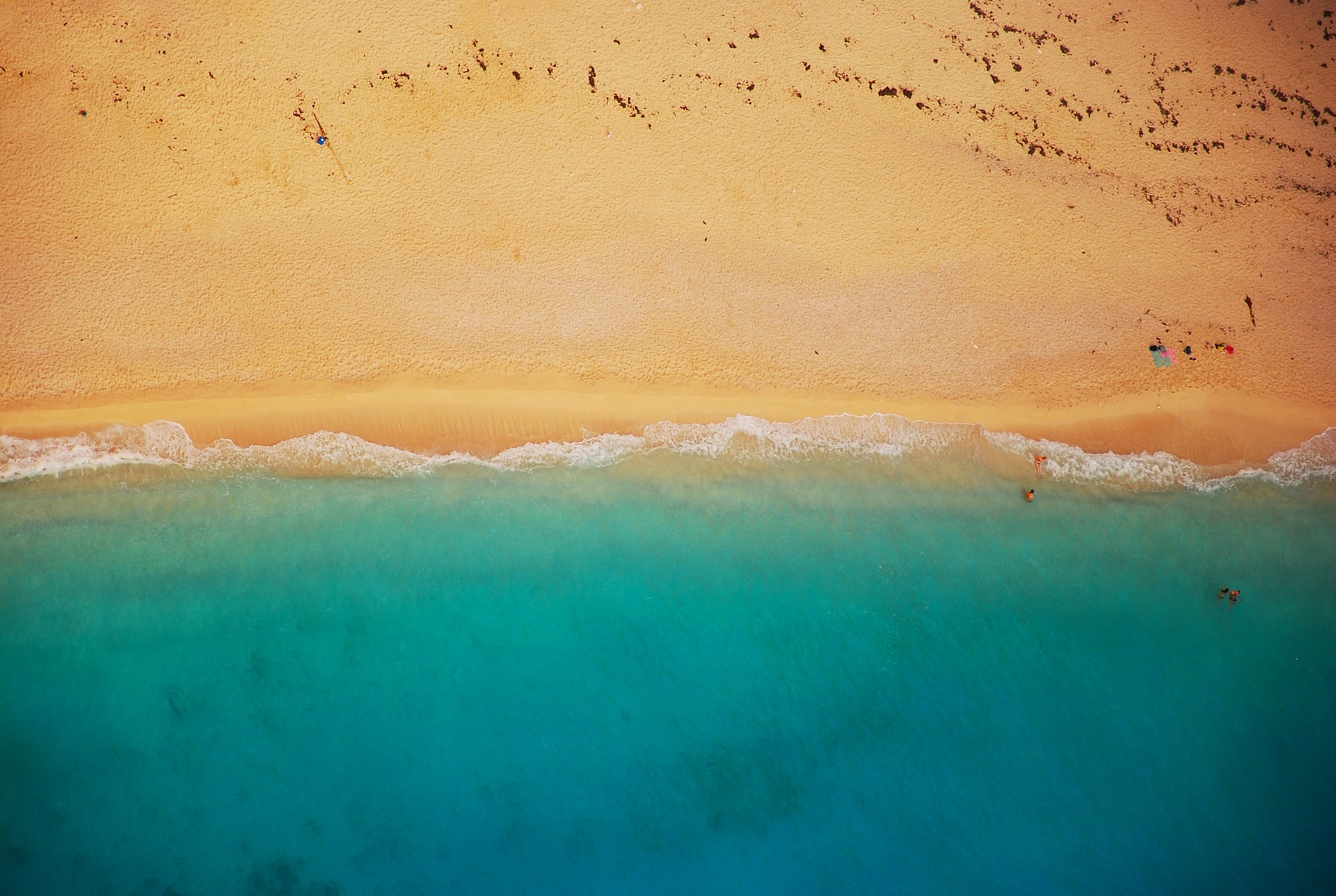 beach-832346_1920