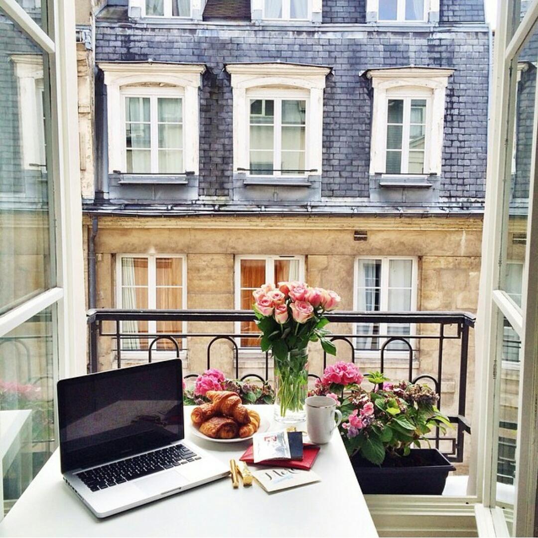 French balcony design izfurniture.